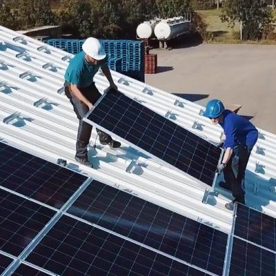 piet-bruijn-zonnepanelen-installatie-bedrijfsdak