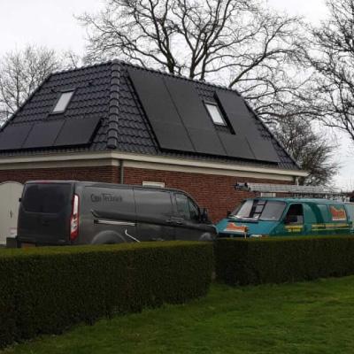 piet-bruijn-zonnepanelen-installatie-rechtopstaand-dak