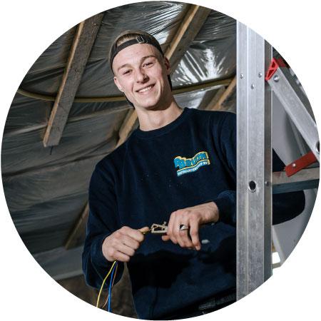 joey-installatiemonteur-in-opleiding-bij-installatiebedrijf-bruijn